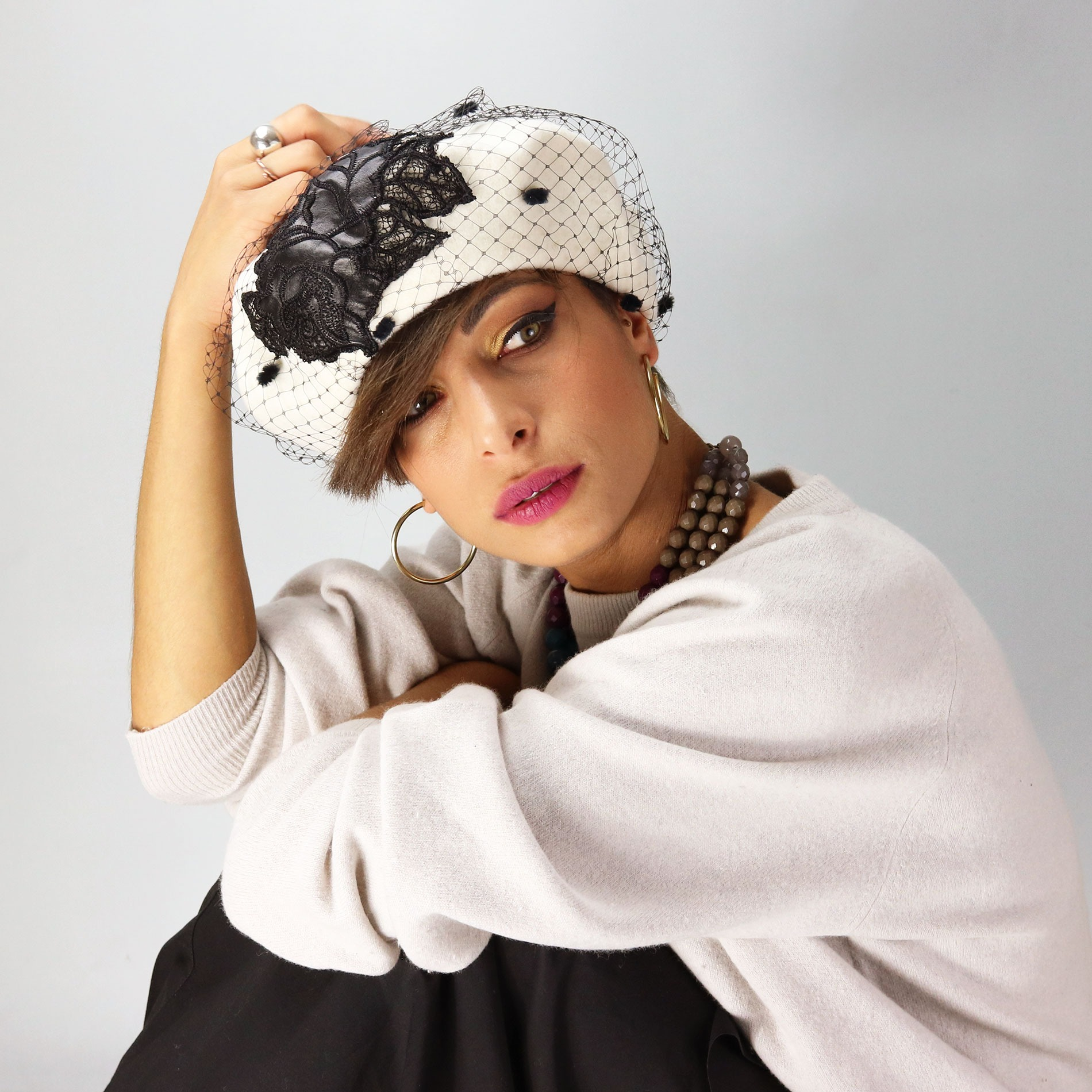 ac142189ea319 Fashionable white women s beret with veil and floral patch