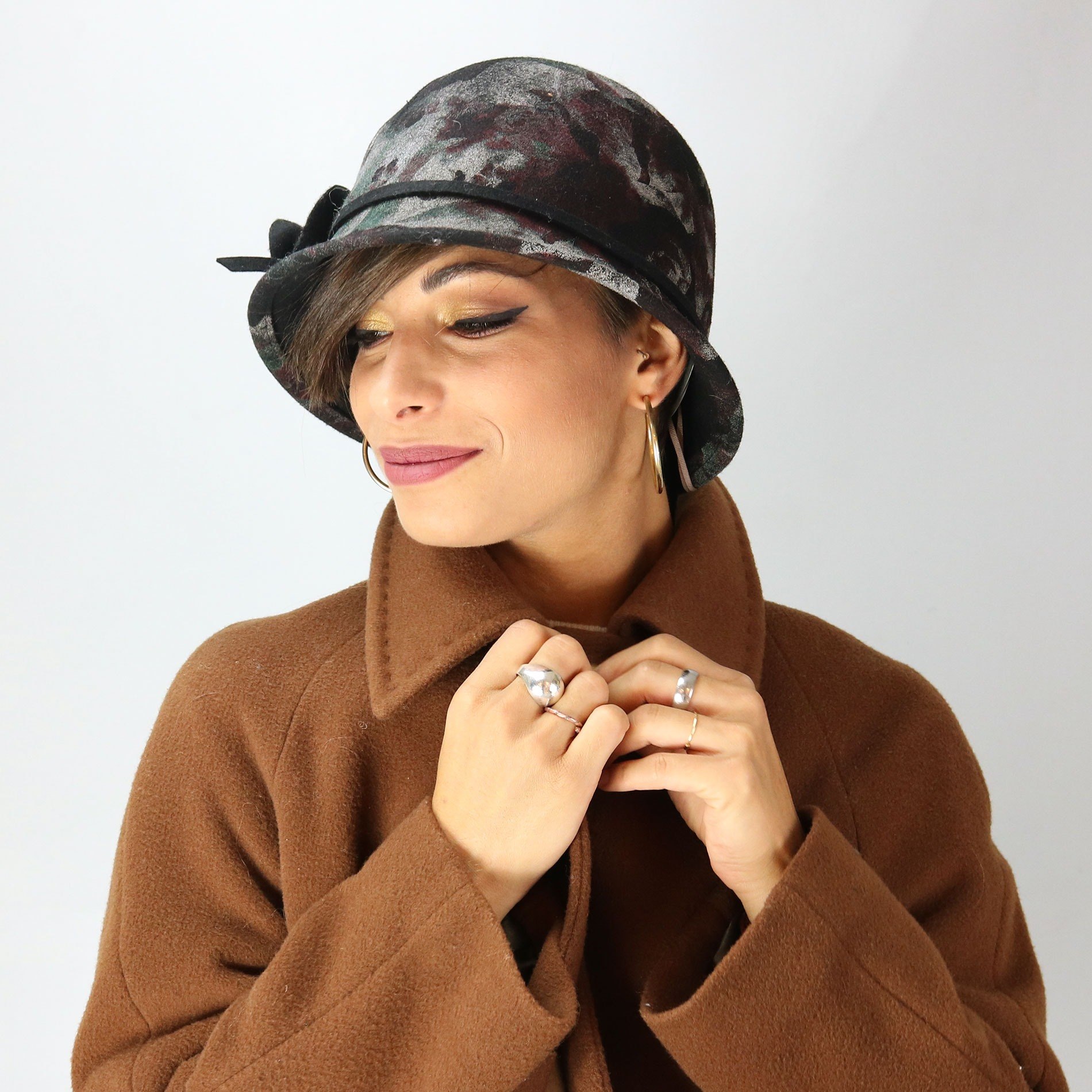 Complit fall winter collection - Cloche hat in felt with floral print b1495ff5431