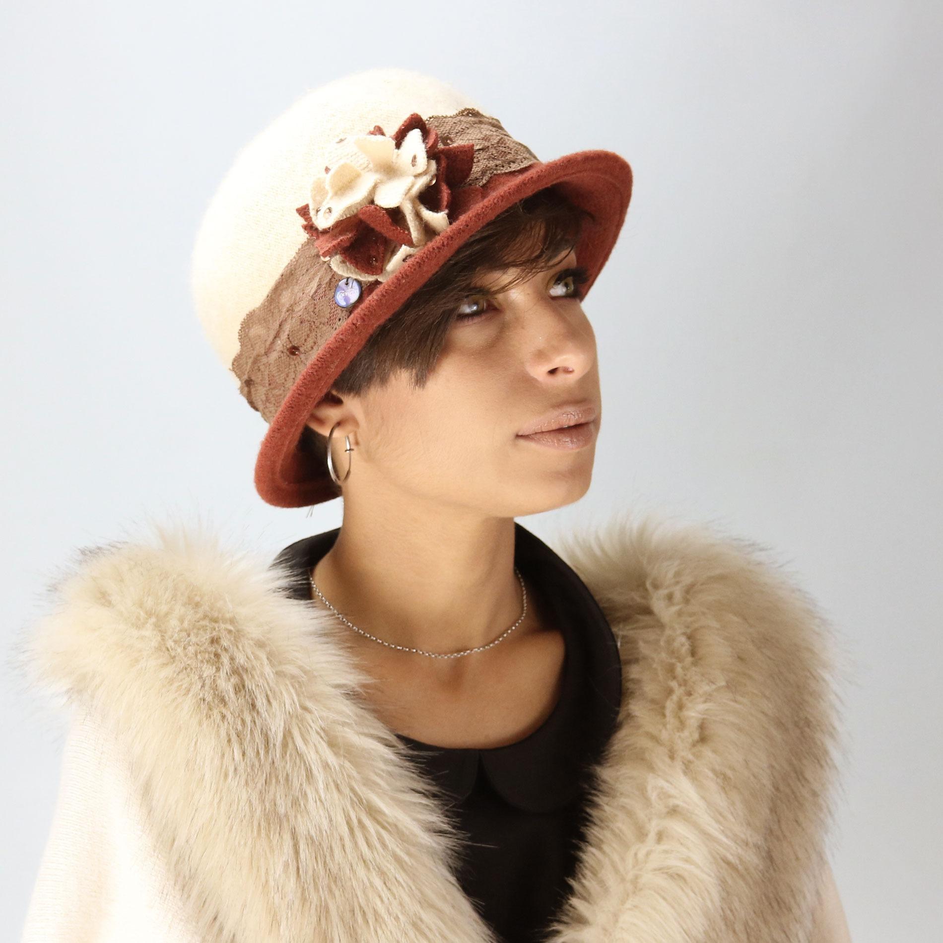 Elegante cappello di lana da donna per l'inverno