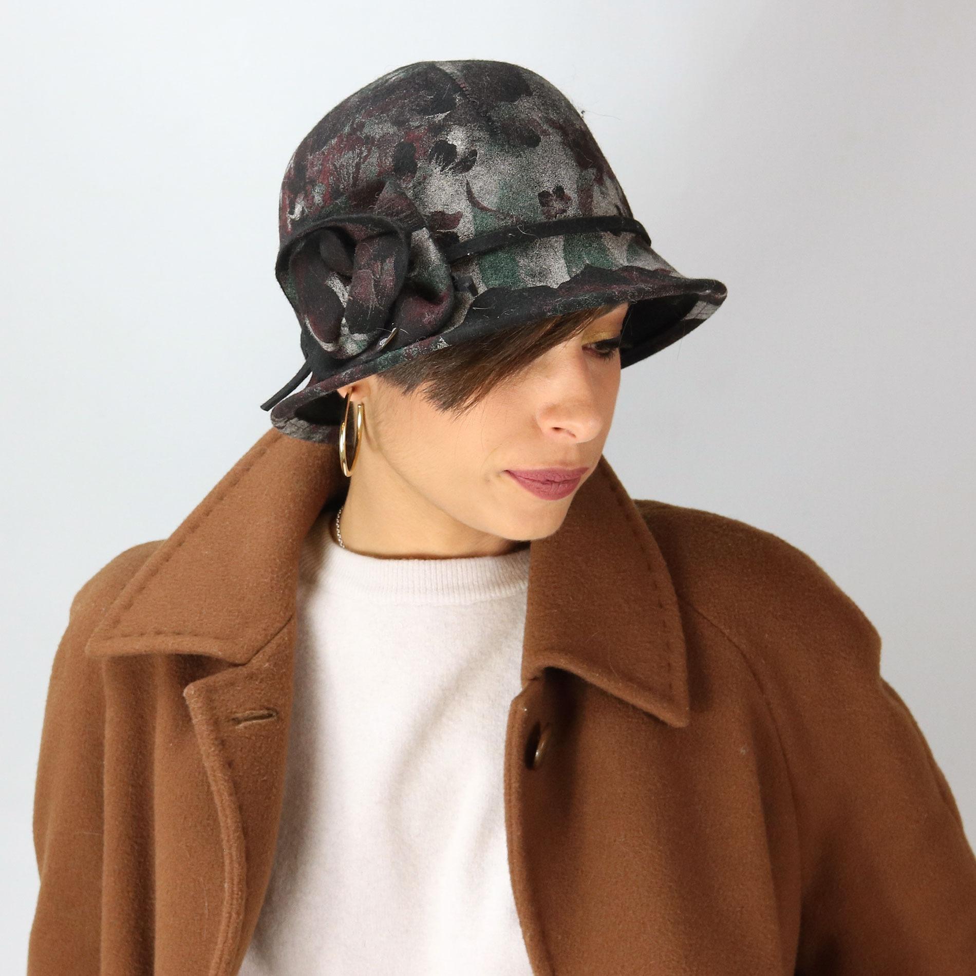 Cappello a cloche in feltro con stampa floreale 9a8dd64bc70e